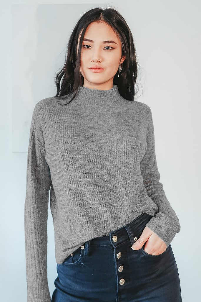 CALL IT CASUAL HEATHER GREY MOCK NECK SWEATER