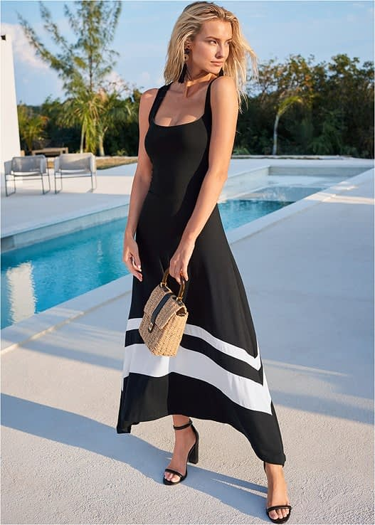 BLACK AND WHITE COLOR BLOCK MAXI DRESS