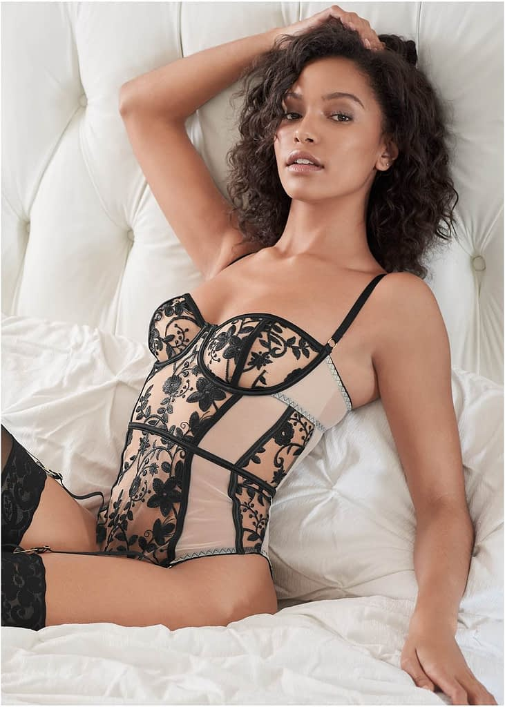 STRETCH EMBROIDERED TEDDY